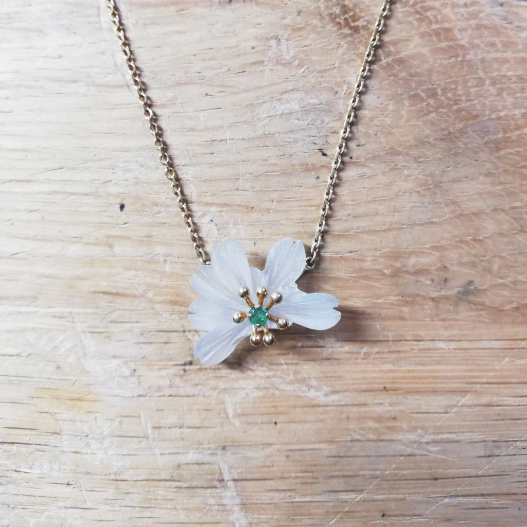 fleur cristal cassée collier à réparer bijou avant après bijoutier upcycling lille